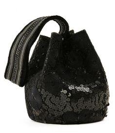 Mochila wayuu sequin by Silvia Tcherassi Backpack Purse, Clutch Bag, Crochet Hobo Bag, Potli Bags, Tapestry Crochet, Cute Bags, Bucket Bag, Boho Chic, Handbags