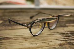 Oliver Peoples for TakahiroMiyashita glasses More Old Schools, Shades, Sun Glasses, Dope Glasses, Alberto Style, Drop Anchors, Olives People, Fringes Sunglasses, De Style #glasses x #shades old school Dope glasses, classic... Via Drop Anchors Fancy - Fringed sun glasses Fringed sunglasses