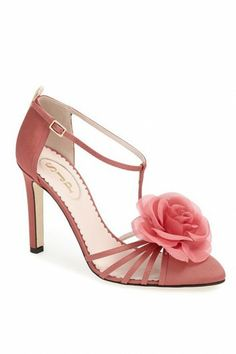 SJP – perfect for summer wedding guest