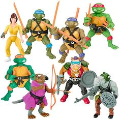 Never managed to get a Michelangelo. Even when the Turtles themselves became easier to come by he remained quite rate. In any case, I probably didn't have enough pocket money. Oh well, he was my least favourite Turtle.