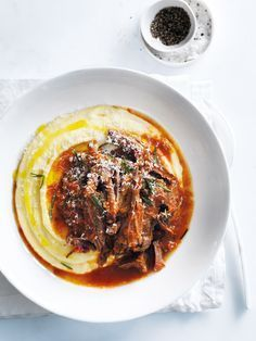 Slow Cooked Beef Ragu Brisket with Garlic, Carrots, Rosemary and Red Wine, Served with Polenta Meat Recipes, Slow Cooker Recipes, Cooking Recipes, Healthy Recipes, Delicious Recipes, Polenta Recipes, Sausage Recipes, Slow Cooking, Gastronomia