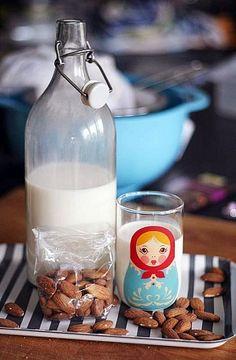 Obrázek - Mandlové Mléko Raw Food Recipes, Veggie Recipes, Healthy Recipes, Almond Milk, Healthy Cooking, Cruelty Free, Glass Of Milk, Veggies, Menu