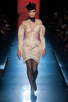Jean Paul Gaultier Fall 2013 Couture Runway - Franck Sorbier Haute Couture Collection - ELLE