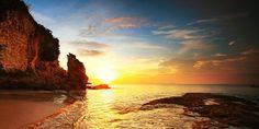 City Nomads' guide to the 8 best lesser-known Bali beaches to beat the crowd. Featuring Balangan Beach, Geger Nusa Dua Beach, Suluban Beach, Pandawa Beach, Green Bowl Beach, Tegal Wangi Beach, White Sand Beach Perasi Karangasem, and Amed Beach.
