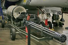 30 mm Avenger, seven barrel gatling gun/cannon, that fires rds. per minute, The gun the Thunderbolt / Warthog, was built around. Military Helicopter, Military Aircraft, Us Navy, Avenger Time, A10 Warthog, Air Force, Old Planes, Electric Boat, Fire Powers