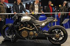 Yamaha Vmax by Roland Sands