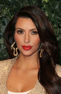 Kim Kardashian's Almost-Orange Lipstick - How to Choose the Perfect Red Lipstick - StyleBistro