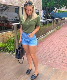 42 Cute summer shorts denim for To Try Today - Summer Outfit - Short Outfits, Trendy Outfits, Cute Outfits, Summer Work Outfits, Spring Outfits, Jean Moda, Indie Mode, Look Con Short, Short En Jean