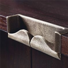 Bespoke handle detail