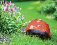 Robomow MC1200 2016 er den mest sofistikerede og brugervenlige robotplæneklipper til dato. Der sikrer dig en perfekt klipning af din græsplæne hele sæsonen.