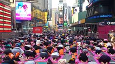 Diese Bilder beweisen, dass Yoga die schönste Sportart ist › ze.tt
