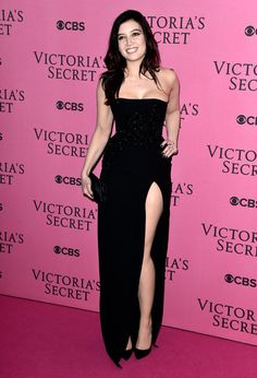 Pin for Later: The Looks on the VS Red Carpet Could Rival the Runway Daisy Lowe Daisy showed off a little leg — and her amazing curves — in a tight black dress.