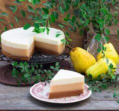 Gruszkowe+ciasto+z+delikatnym+musem+i+kremem+śmietankowym
