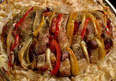 Nadziewana karkówka pieczona w kapuście - Blog z apetytem Tortellini, Ratatouille, Sausage, Bacon, Food And Drink, Yummy Food, Beef, Dinner, Breakfast
