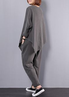 Modern Fashion Outfits, Iranian Women Fashion, Cuffed Pants, Asymmetrical Tops, Sport Pants, Two Pieces, Aesthetic Clothes, Sport Outfits, Lounge Wear