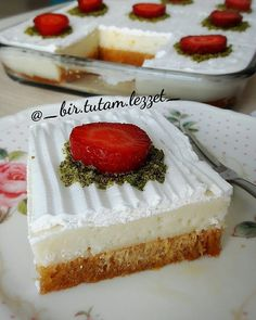 Image may contain: dessert and food Source by Summer Desserts, Vanilla Cake, Cheesecake, Dessert Recipes, Food And Drink, Yogurt, Image, Recipes, Cheesecakes