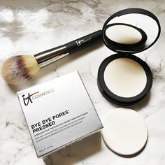 IT Cosmetics Bye Bye Pores Pressed Airbrush Silk Pressed Anti-Aging Finishing Powder Review by The Gossip Darling