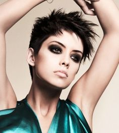great hair Edgy short hair, bold makeup Short Hair Styles For Women Over 40 - Bing Images hair styles for women over 50 Short Summer Haircuts, Short Choppy Hair, Prom Hairstyles For Short Hair, Short Pixie Haircuts, Pixie Hairstyles, Short Hair Cuts, Short Hair Styles, Pixie Cuts, Choppy Haircuts