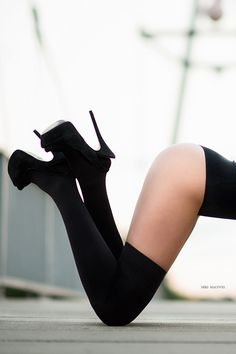 Legs, tights and heels Platform High Heels, High Heels Stilettos, High Heel Boots, Heeled Boots, Tights And Heels, Nylons Heels, Skirts With Boots, Thigh High Socks, Sexy Boots