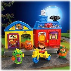 Little People Trick-or-Treat Surprise - Fisher-Price Online Toy Store Halloween Sounds, Halloween Music, Halloween Party, Toddler Toys, Kids Toys, Batman Toys For Kids, Fisher Price Toys, Preschool Toys, My Collection