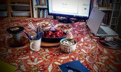 על כתיבה נכונה בבלוגים אישיים, איך עושים את זה טוב והתרגשות אישית לסיום Paella, Table Settings, Ethnic Recipes, Food, Table Top Decorations, Place Settings, Meals, Dinner Table Settings, Setting Table