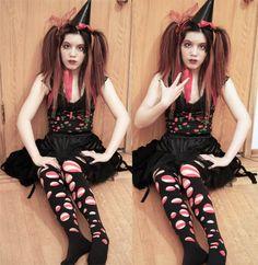 Worldwide adventures in Goth style, underground culture, travel TV hosting & Harajuku Jpop kawaii. Goofy Costume, Mime Costume, Costumes, Costume Ideas, Emo Fashion, Gothic Fashion, Fashion Beauty, Ripped Leggings, Harajuku Japan