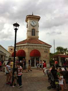 Ones of the best outlet in Florida. We can take you there and enjoy shopping. #prizemedia #orlando #outlet