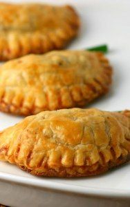 Filipino Beef Empanadas Recipe - STL Cooks These Filipino Beef Empanadas are encased in a flaky pastry dough and filled with a simple filling of beef and potatoes. They are normally deep-fried, but they can be baked as well. Asian Recipes, Mexican Food Recipes, Beef Recipes, Cooking Recipes, Guam Recipes, Easy Filipino Recipes, Curry Recipes, Vegetarian Recipes, Comida Filipina