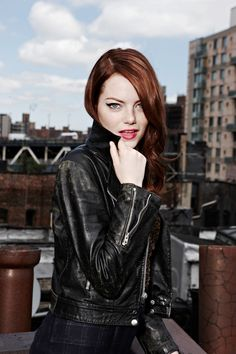 Emma Stone has my favorite shade of red hair Actress Emma Stone, Beautiful People, Beautiful Women, My Hairstyle, Redhead Hairstyles, Cultura Pop, Hollywood Actresses, Hollywood Life, Girl Crushes