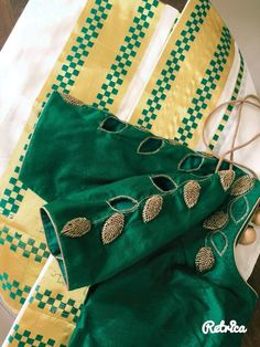 Gorgeous saree blouse Read more about :- Kerala Saree Blouse Designs, Cutwork Blouse Designs, Simple Blouse Designs, Stylish Blouse Design, Bridal Blouse Designs, Floral Designs, Designer Blouse Patterns, Pattern Blouses For Sarees, Blouse Designs Catalogue