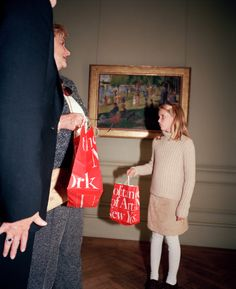 New York City. At the Metropolitan Museum 1998 Martin Parr, Documentary Photographers, Portrait Photographers, Portraits, Magnum Photos, Metropolitan Museum, New York City, William Eggleston, Flash Photography