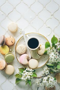 A simple French macaron recipe making these delicate little desserts so easy to make, perfect for beginners. Guranteeing success you'll love these macarons! Macarons, Pastel Macaroons, French Macaroons, Practicing Self Love, Beste Hotels, Reisen In Europa, Paris Cafe, Love Tips, New Zealand Travel