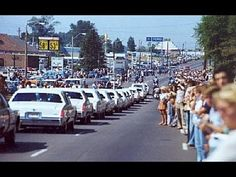 ELVIS, STATE FUNERAL OF THE KING, 1977 (HD; 2 DAYS AFTER HIS DEATH:     Elvis was given the honor of a state funeral. An estimated 500,000 people as well as 1000 Police officers lined the streets of Memphis as his hearse drove by.  Such a grand and public funeral was a truly fitting final tribute to the King.  This video is some of the most amazing footage from that day.