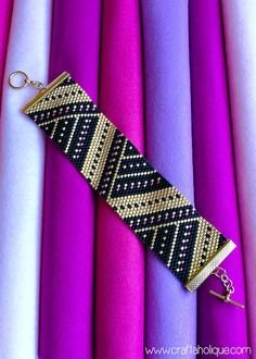 ANGULAR SPLENDOUR - STUNNING PEYOTE BEADED BRACELET PATTERN FOR BEADERS AT ALL LEVELS! ****THIS PATTERN USES MIYUKI DELICAS SIZE 10/0**** Stand out from the crowd when you make and wear this fabulous Peyote Cuff Beaded Bracelet in bold colours of black, gold and pink! The