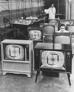 1960 ... test pattern test!  We got our 1st TV in '60-'61 when I went in 1st grade & came home asking what a TV was.  Mother said that she was hoping that I wouldn't hear about them.