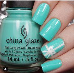 Tiffany Blue Nails Inspired by Tiffany & Co. cg too yacht to handle Tiffany Blue Nails, Azul Tiffany, Love Nails, How To Do Nails, My Nails, Bridal Nails, Wedding Nails, Blue Gel Nails, Solar Nails
