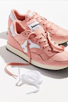 Saucony DXN Trainer Vintage Sneaker. Urban OutfittersTräningsskorSkorŠtýl dc5b7fd337d8f