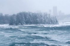 Spectacular Views of Frozen Niagara Falls: The constant flow prevents the Falls from completely freezing.