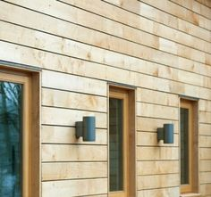 Splayed cladding, otherwise known as rainscreen cladding consists of rhomboid shaped boards equally spaced apart to form a decorative façade. Wood Cladding Exterior, Rainscreen Cladding, Larch Cladding, Wooden Cladding, Wood Facade, House Cladding, House Siding, Modern Exterior, Exterior Design