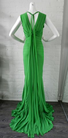 1stdibs - Vera Wang Green Silk Deco Style Gown explore items from 1,700  global dealers at 1stdibs.com