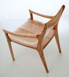 Furniture Bation, Woodworking Furniture, Studio Furniture, Fine Woodworking, Furniture Design, Wooden Chair Design, Chair Sam, Chair Stool, Wooden Wood