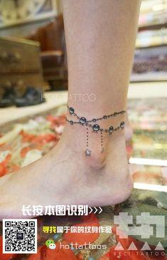 Tattoo Fuß Ideen - My tattoos Mom Tattoos, Wrist Tattoos, Body Art Tattoos, Anklet Tattoos For Women, Tatoos, Name Tattoo On Hand, Charm Bracelet Tattoo, Bracelet Tattoos, Jewelry Tattoo