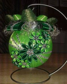 #christmas# Sequin Ornaments, Quilted Christmas Ornaments, Christmas Cover, Fabric Ornaments, Christmas Ribbon, Diy Christmas Ornaments, Handmade Christmas, Christmas Decorations, Natal Diy