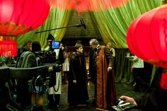 A gallery of Harry Potter and the Half-Blood Prince publicity stills and other photos. Featuring Daniel Radcliffe, Emma Watson, Rupert Grint, Bonnie Wright and others. Harry Potter 6, Harry Potter Universal, Prince Film, Dump A Day, Bonnie Wright, Lord Voldemort, Half Blood, Scene Photo, Behind The Scenes