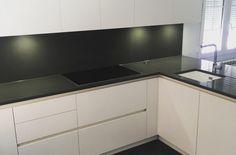 Cocina Gola Blanca Flat Screen, Kitchens, Blood Plasma, Flatscreen, Dish Display