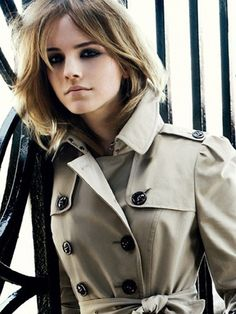 Burberry Trench Emma Watson = my style model Emma Watson Style, Fashion News, Fashion Outfits, Women's Fashion, Winter Fashion, Thing 1, British Actresses, Look Chic, Girl Crushes