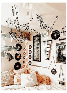 Cute Bedroom Decor, Room Design Bedroom, Room Ideas Bedroom, Bedroom Inspo, Teen Bedroom Decorations, Teen Bedroom Inspiration, Hippy Bedroom, Neon Bedroom, Gothic Bedroom