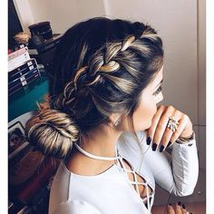 Everything You Need To Know For Luscious Hair. Photo by discutivo A lot of people question what they need to do in order to properly groom their hair. It is a good thing to care for one's hair because i