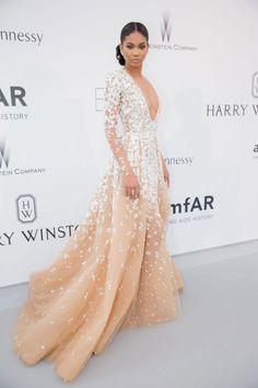 FANTASTISK: Supermodellen Chanel Iman vakte oppsikt i en rålekker kreasjon fra kjolegeniet Zuhair Murad. Iman holdt tilbehøret enkelt og hadde stylet håret i en stram topp i nakken. Foto: Getty Images