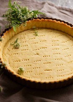 Freshly baked Sweet Tart Crust (Sweet Pastry) - French Pate Sucree - empty, ready to be filled Tart Recipes, Almond Recipes, Sweet Recipes, Cheesecake Recipes, Sweet Pastries, French Pastries, Puff Pastries, Tart Crust Recipe, Salted Caramel Tart